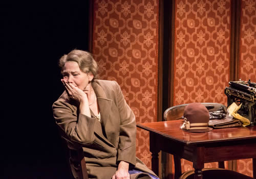 The-Glass-Menagerie_Prod-Shot-2
